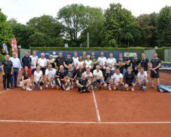 Gruppenfoto UVN Tennisduell 2021